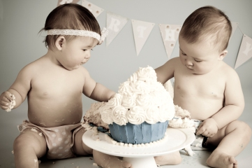 Anabelle and Caton Cake Smash